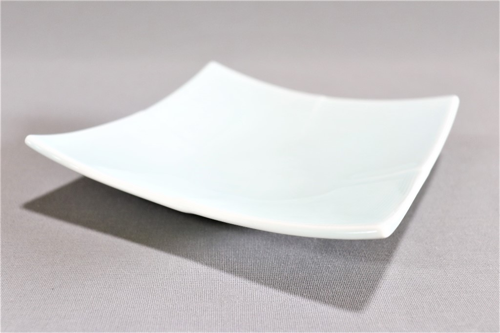 【有田焼】青磁(錦ナシ)四方上折合角皿