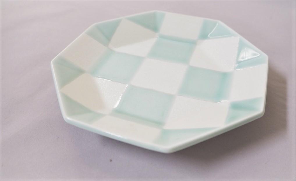 【有田焼】青磁パール市松八角五寸皿