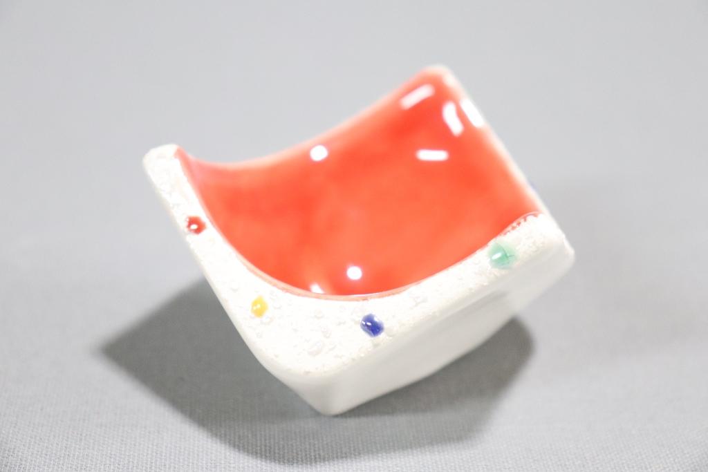 【有田焼】赤彩色散し面取珍味